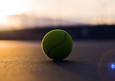 Tennis Betting. Features and Winning Strategies